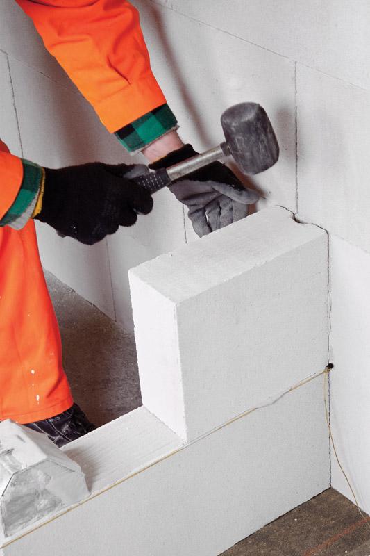 budowa ścian działowych z betonu komórkowego termalica