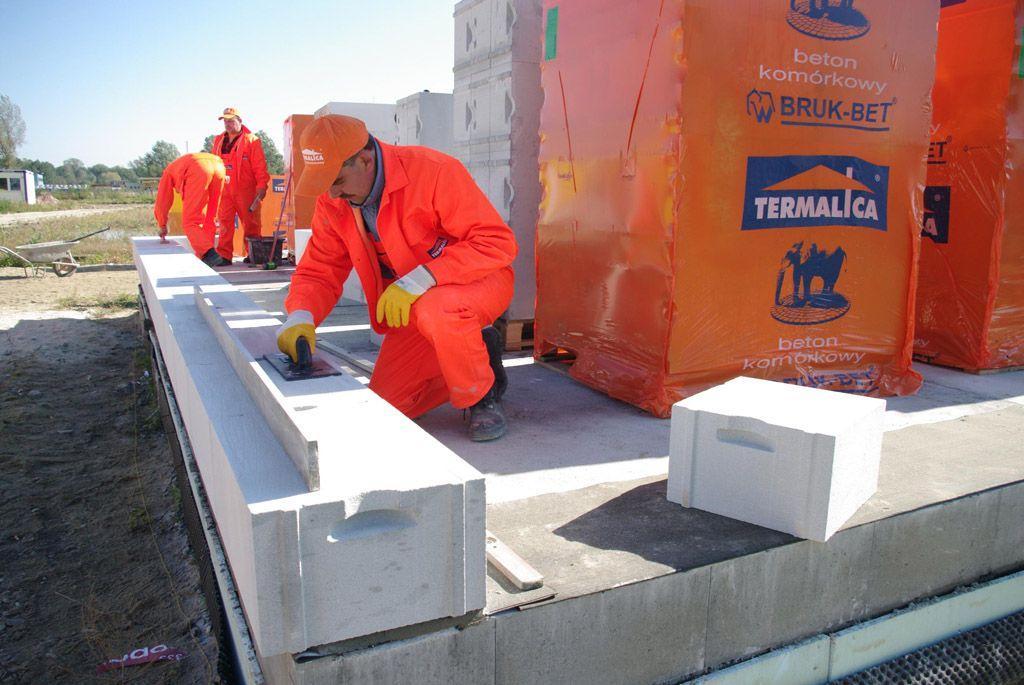 termalica budowa z betonu komorkowego