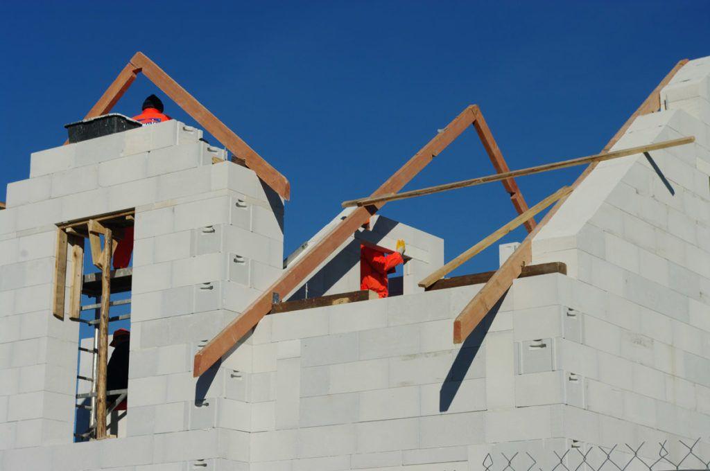 etapy wykonania domu